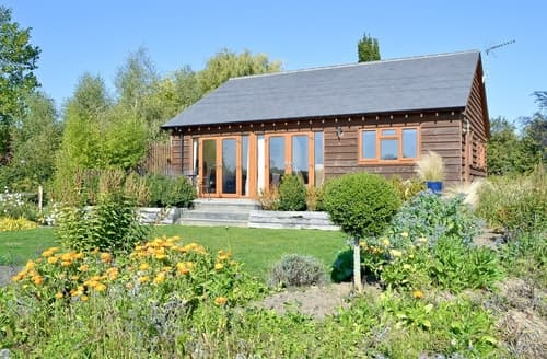 Last Minute Cottages - Attractive Salisbury Lodge S13739