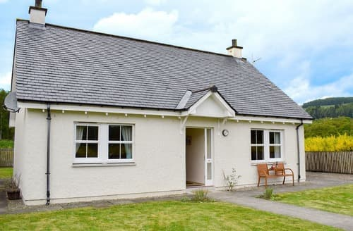 Big Cottages - Wonderful Pitlochry Cottage S23412