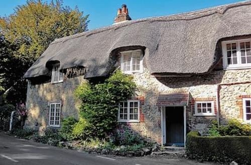 Last Minute Cottages - Wonderful Brighstone Cottage S14183