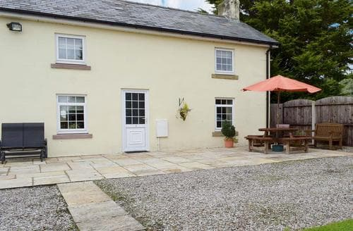 Last Minute Cottages - Cosy Blackpool Cottage S18186