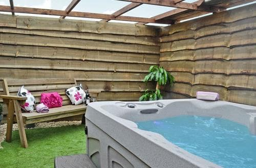 Dog Friendly Cottages - Adorable Lydney Cottage S16257
