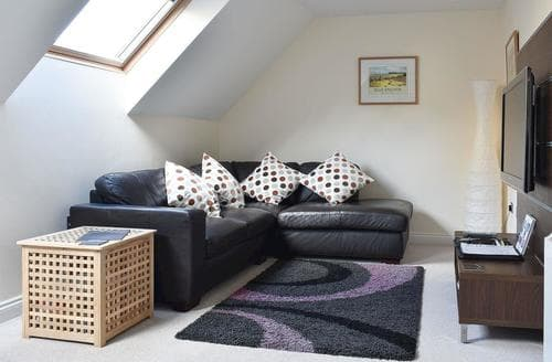 Last Minute Cottages - Captivating Minehead Apartment S20188