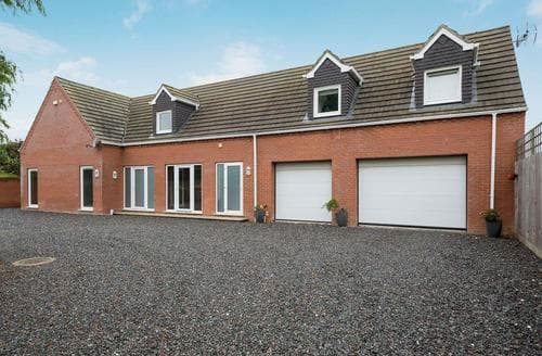 Last Minute Cottages - Excellent Skegness House S15879
