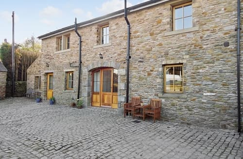 Last Minute Cottages - Quaint Clitheroe Cottage S18230
