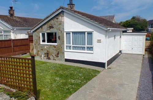 Last Minute Cottages - Adorable Benllech Cottage S24724