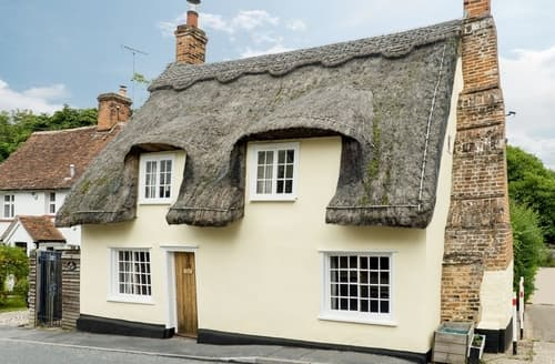 Last Minute Cottages - Superb Colchester Cottage S18108