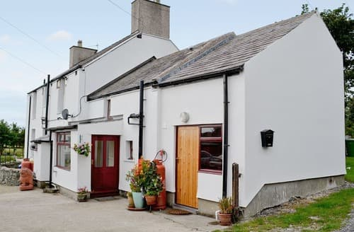 Last Minute Cottages - Adorable Holyhead And Treaddur Bay Cottage S22086