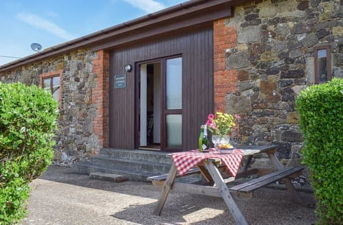 Big Cottages - Gorgeous Brighstone Cottage S14197
