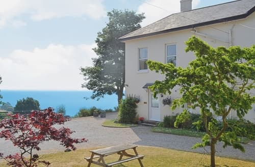 Dog Friendly Cottages - Inviting Torquay Apartment S19452