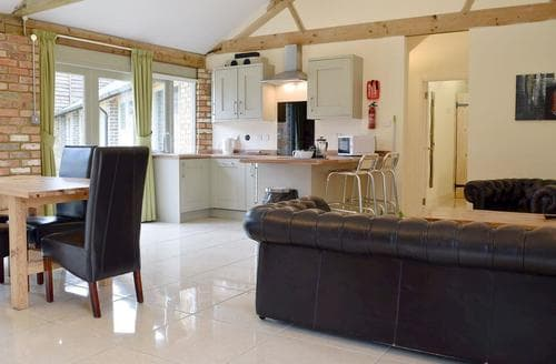 Last Minute Cottages - Excellent All Northamptonshire Cottage S45562