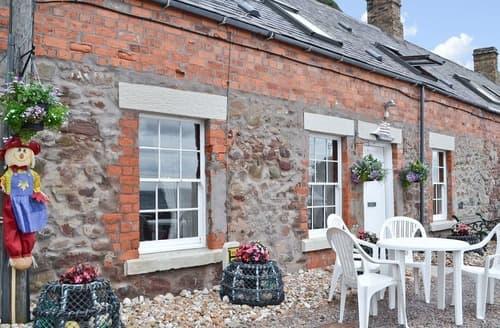Last Minute Cottages - Shoreline Cottage