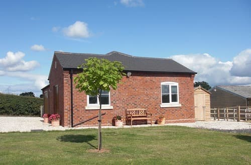 Last Minute Cottages - Gorgeous Worcester Lodge S16402