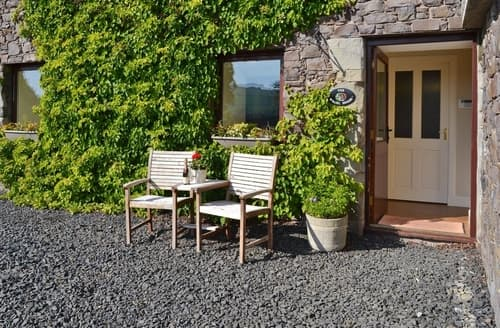 Dog Friendly Cottages - Delightful Kelso Apartment S23809