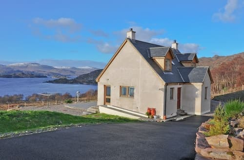Last Minute Cottages - Delightful Torridon Cottage S24462