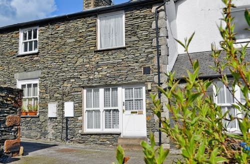 Last Minute Cottages - Luxury Windermere Cottage S18736
