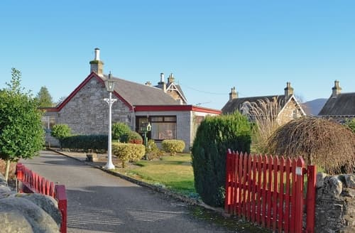 Last Minute Cottages - Splendid Pitlochry Cottage S23428