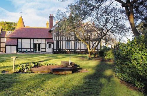 Big Cottages - Superb Ryde Apartment S14320