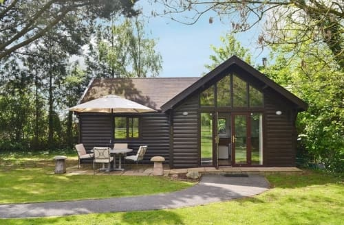 Last Minute Cottages - Charming Cheddar Lodge S24543