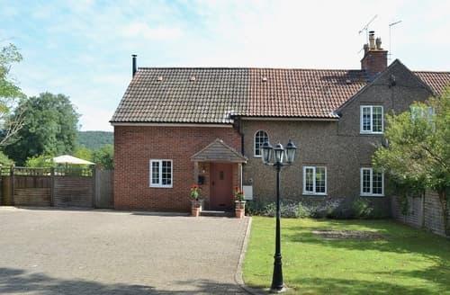 Big Cottages - Exquisite Cheddar Lodge S24546