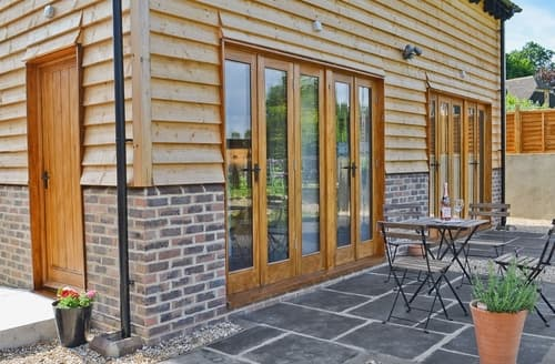 Dog Friendly Cottages - Cosy Uckfield Cottage S14053