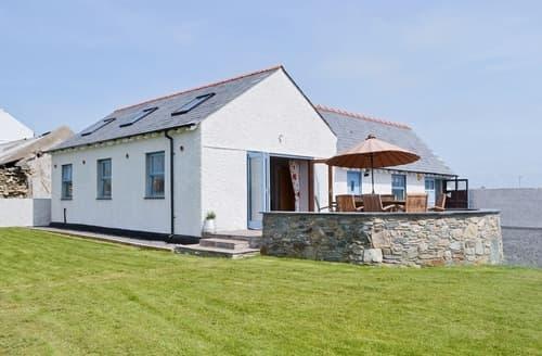 Big Cottages - Superb Holyhead And Treaddur Bay Cottage S22090