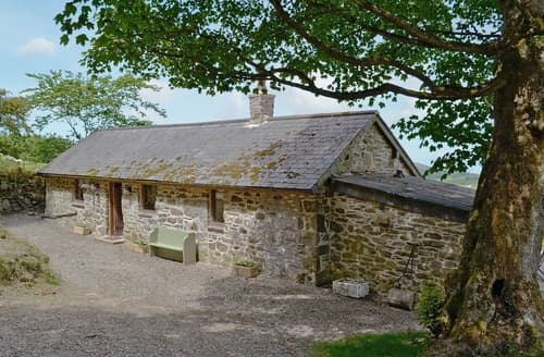 Last Minute Cottages - Beautiful Corwen And The Berwyn Mountains Lodge S22007