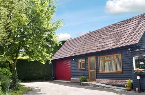 Last Minute Cottages - Delightful Maldon Cottage S18135