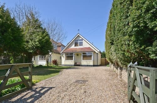 Last Minute Cottages - Stunning Bognor Regis Lodge S13886
