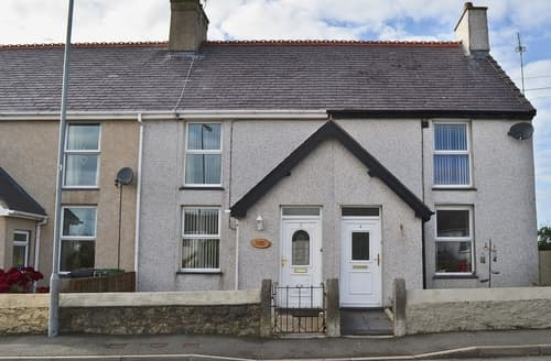 Last Minute Cottages - Wonderful Amlwch And North Anglesey Heritage Coast Cottage S22045