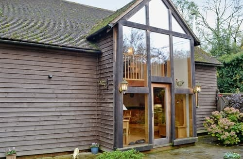 Last Minute Cottages - Inviting West Meon Cottage S14155