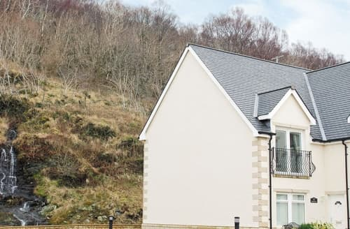 Last Minute Cottages - Gorgeous Fort William Apartment S22632