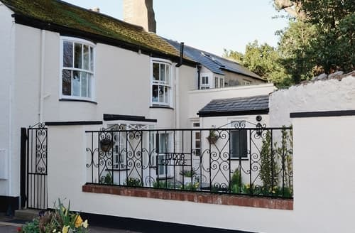 Last Minute Cottages - Charming Teignmouth Cottage S19425