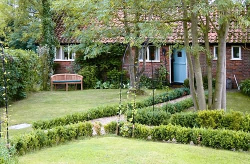 Last Minute Cottages - Captivating Stowmarket Cottage S18016