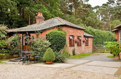 Last Minute Cottages - Inviting Southampton Cottage S14145