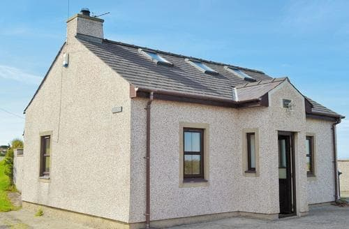 Dog Friendly Cottages - Excellent Rhosneigr And Aberffraw Cottage S24744