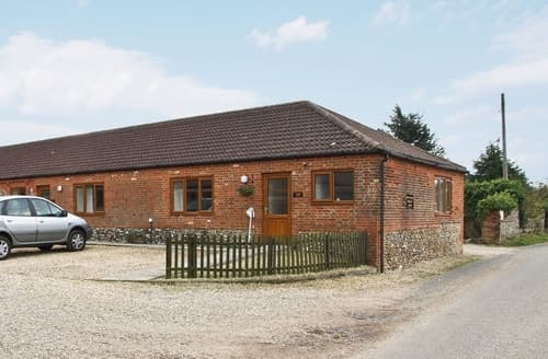 Last Minute Cottages - Stable Barn