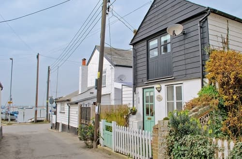 Last Minute Cottages - Charming Colchester Cottage S18095