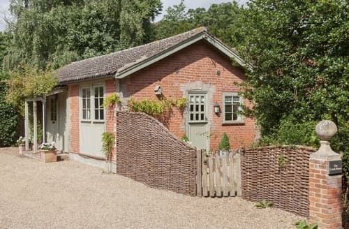 Last Minute Cottages - Inviting Ipswich Cottage S17922