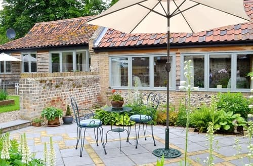Last Minute Cottages - Lovely Bury St Edmunds Cottage S17855