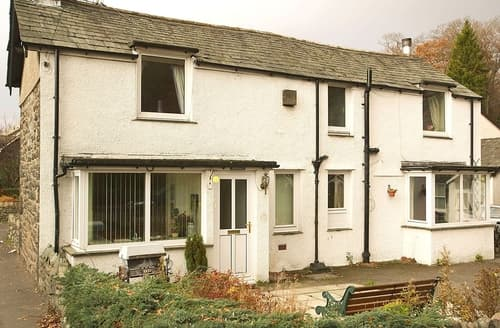Dog Friendly Cottages - Inviting Keswick Cottage S84586