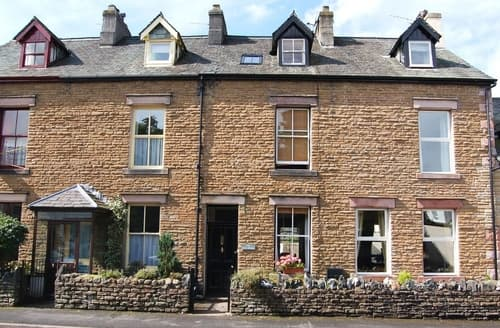 Dog Friendly Cottages - Inviting Keswick Cottage S84629
