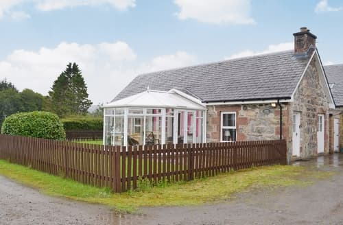Last Minute Cottages - Quaint Beauly Lodge S42000