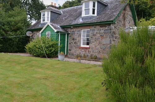 Last Minute Cottages - Cosy Beauly Lodge S42003