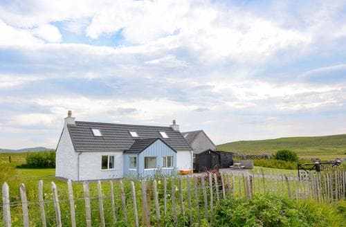 Last Minute Cottages - Splendid Portree Cottage S45070