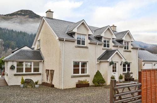 Big Cottages - Gorgeous Callander Cottage S44374