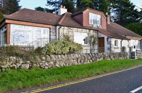 Last Minute Cottages - Wonderful Sandyhills Cottage S43972