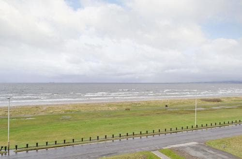 Last Minute Cottages - Charming Ayr Apartment S50169