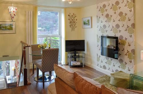 Last Minute Cottages - Exquisite Llangollen Apartment S42482