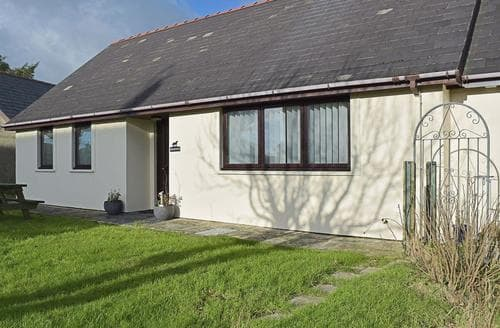 Last Minute Cottages - Superb Preseli Hills Cottage S43954