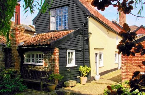 Last Minute Cottages - Bankhouse